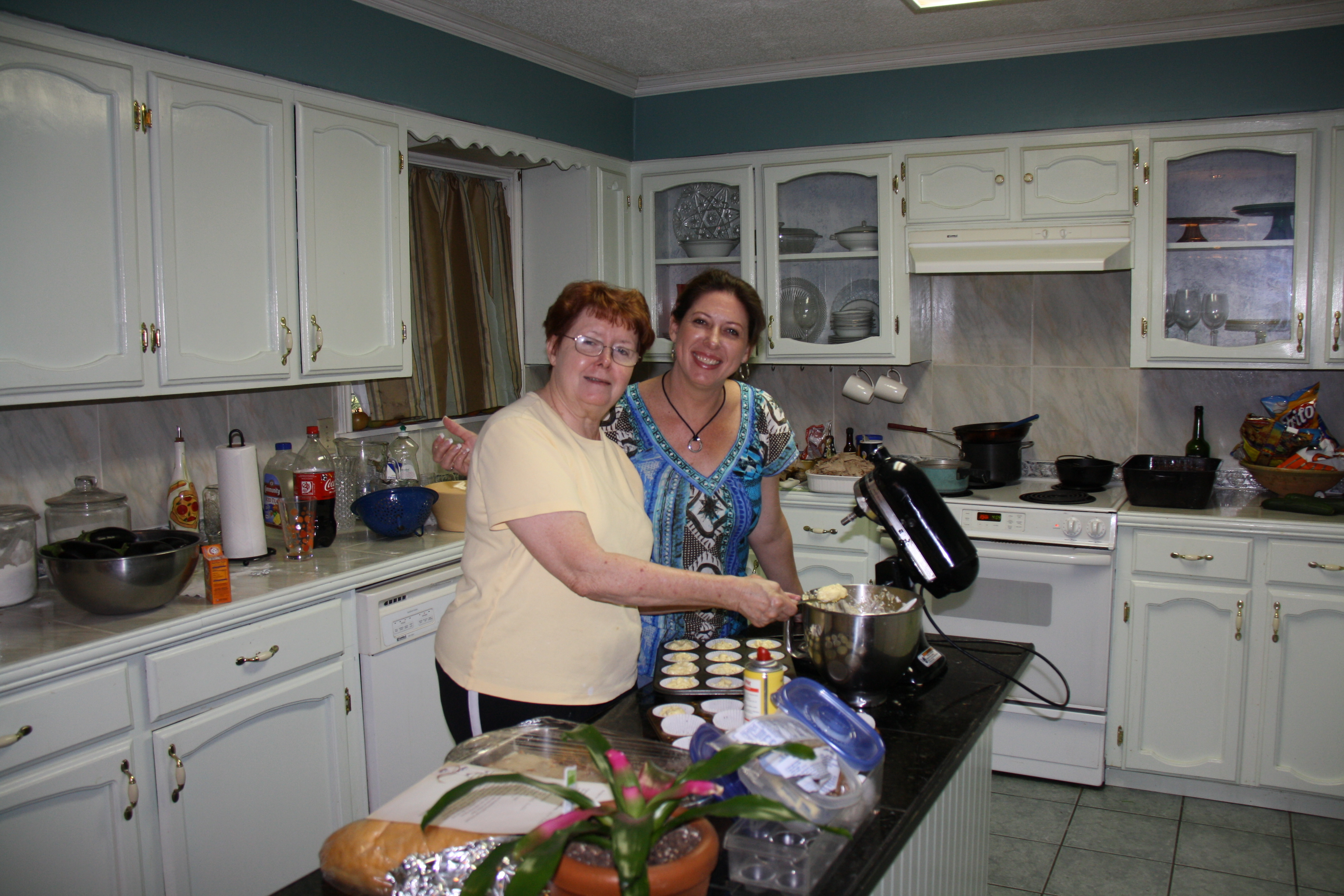 mom and me in the kitchen nola girl at heart festyle blog