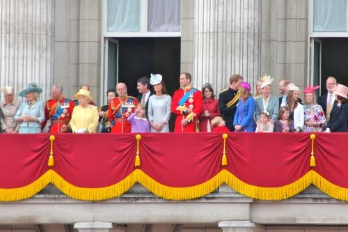 Royal_family_on_the_balcony